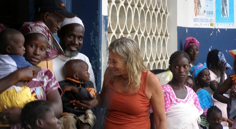 Dra. Liliana Moroni viaja a Africa con la ONG Kasumai ( Elche )
